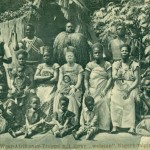"""Mitglieder der Familie Bruce, die zwischen April und Juni 1912 im sogenannten """"Kongonesen-Dorf"""" im Dortmunder Fredenbaum gastierte. Postkarte Sammlung K.M. Kreis."""