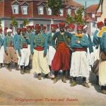 """""""Kriegsgefangene Turkos und Zuaven"""". Verlag u. Original von Atelier Beck, Ohrdruf i.Th.. Ansichtskarte, ungelaufen. Sammlung Detlev Brum."""