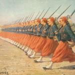 """""""The Zouaves. The European War 1914, The French Army, Series 1"""". Britische Ansichtskarte, gelaufen im März 1915 in der Schweiz (Sammlung Markus Kreis). Das gleiche Motiv wurde auch für eine französische Ansichtskarte verwendet (gelaufen im Juli 1915, Sammlung Detlev Brum)."""