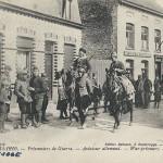 """""""Aviateur allemand"""", Guerre 1914-1916. Carte Postale, gelaufen im Juli 1916 innerhalb Frankreichs. Sammlung Detlev Brum. Ein kriegsgefangener Pilot wird von nordafrikanischen Kavalleristen bewacht."""