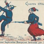 """""""Guerre 1914. Fourreaux pour bayonnettes Françaises brévetés par Moltke"""". Carte Postale, ungelaufen. Sammlung Detlev Brum. """"Das Tuch (die Uniform) für französische Bajonette"""", patentiert von General Moltke, dem bekanntesten deutschen General des Krieges von 1870/71."""