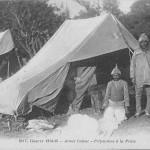 """Guerre 1914-1915. Armée Indoue - Préparation a la Prière"" (Vorbereitung für das Gebet). Carte Postale, beschriftet, ohne Datum. Sammlung Detlev Brum."