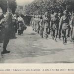 """""""Le salut aux alliés – Infanterie Indio-Anglaise"""". Carte Postale, ungelaufen. Sammlung Detlev Brum."""
