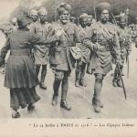"""""""Le 14 Juillet á Paris en 1916 – Les Cipayes Indiens"""". Carte Postale, ungelaufen. Sammlung Detlev Brum."""